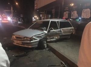 Водитель разбил ВАЗ и чуть не сбил девушку во время погони в Ставрополе
