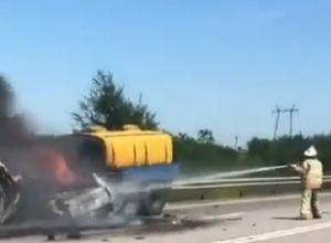 Два человека сгорели в результате жесткой аварии на Ставрополье, - очевидцы