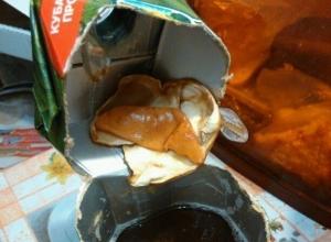 Гнилые фрукты нашел в коробке с соком житель Железноводска