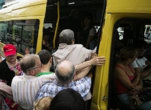 Водитель «маршрутки» избил и выгнал старика на Ставрополье