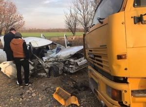 Один ребенок погиб и восемь пострадали за сутки в авариях на Ставрополье