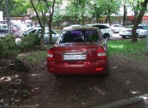 Автохама на «Приоре» оштрафовали после публикации «Блокнота Ставрополя»