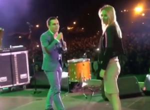 Предложение руки и сердца своей девушке сделал ставрополец во время выступления «Градусов»
