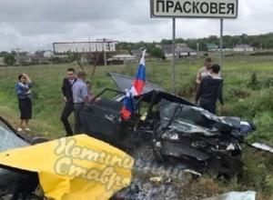 Участники автопробега в честь Дня Победы попали в жесткое ДТП на Ставрополье