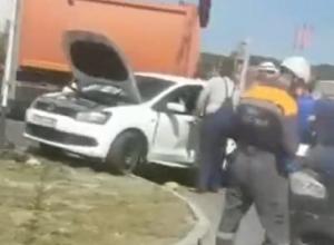 Жесткая авария с участием двух «легковушек» произошла в Ставрополе