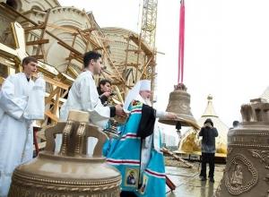 Храм в честь князя Владимира в «Перспективном» озаглавился золотыми куполами в Ставрополе