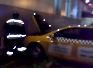 Серьезное ДТП с участием такси произошло в Ставрополе