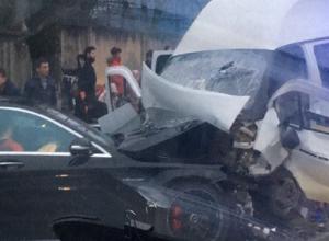 Жесткая авария с участием «маршрутки» и «Мерседеса» произошла в Ставрополе - есть пострадавшие