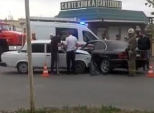 Мужчина пострадал в серьезном столкновении двух машин на перекрестке в Кисловодске