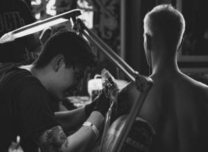 Посоревноваться за звание лучшего тату-мастера собрались 40 умельцев в Ставрополе