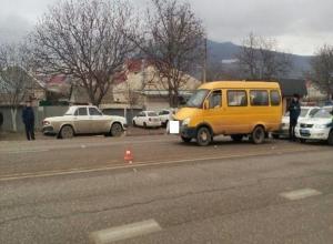 В пригороде Пятигорска водитель маршрутки сбил 70-летнего пешехода