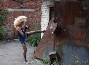 Кавалеры устроили дуэль за «даму сердца», предварительно заперев ее в гараже на Ставрополье