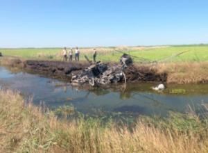 Ставропольский вертолет разбился и сгорел при обработке полей
