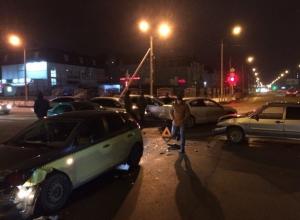 Масштабная авария с участием 6 автомобилей произошла в Ставрополе