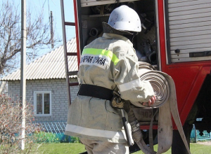 Из-за не потушенной сигареты сгорело два строения и погибла женщина на Ставрополье