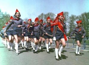 Сотни детей приняли в пионеры 19 мая на Ставрополье