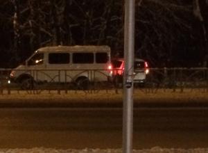 Из-за оборвавшейся проводки в Ставрополе водитель врезался в «Газель»