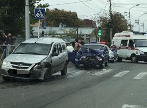 Серьезная авария ВАЗа и «Ижа» создала затор в центре Ставрополя