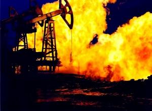 Один человек погиб и еще двое попали в больницу после пожара на нефтяной скважине на Ставрополье