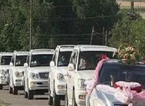 «Хамский свадебный кортеж» проехал на большой скорости  по «встречке»  и возмутил жителей Ставрополья