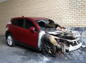 Дорогой внедорожник почти полностью сгорел на выезде из Ставрополя