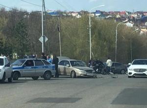 Рассыпавшиеся после аварии машины парализовали движение в Ставрополе