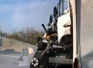 Страшная авария с грузовиком на Ставрополье попала на видео
