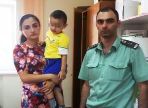3-летнего сына и 10-летнюю дочь пришлось забирать  у бывшего супруга с помощью судебных приставов жительнице Ставрополья