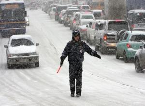 Из-за сильного ветра и снегопада ограничено движение на подъезде к Ставрополю