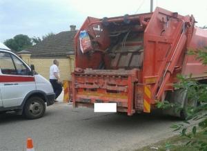 Школьник погиб под колесами мусоровоза в Ставропольском крае