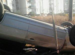 Иномарка вылетела с дороги и перевернулась в районе круга на Пирогова