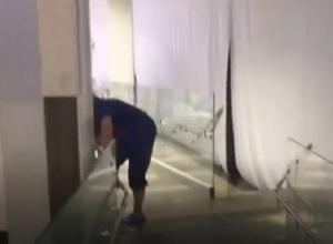 Потоп в торговом центре «Космос» в Ставрополе попал на видео
