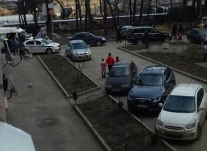 В одном из дворов Ставрополя водитель-лихач сбил ребенка
