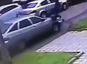«Кто виноват?»: автохам сбил пешехода на «зебре» и попал на видео в Ставропольском крае
