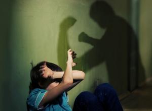 Наказание для родственников, совершивших побои, ужесточат
