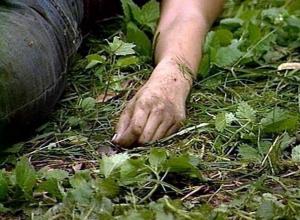Личность мужчины, тело которого обнаружили в сточной канаве в Невинномысске, выясняют следователи