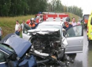 Иномарки и отечественная машина попали в крупное ДТП на Ставрополье