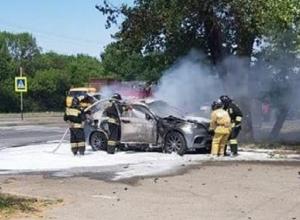 Пассажир сгоревшего «БМВ-Х6» скончался в Ставрополе