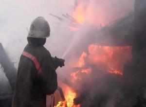 Дом горел в пожаре на Ставрополье