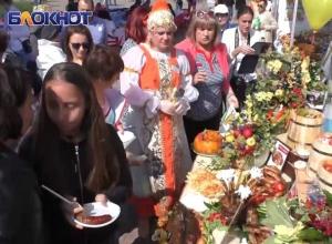 Бесплатные кулинарные изыски смогли попробовать жители Ставрополя на Крепостной горе