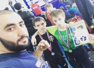 Ставропольские кикбоксеры взяли «золото» на ринге в Черкесске