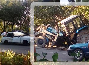 Трактор развалился на части в лобовом столкновении с «семеркой» на Ставрополье