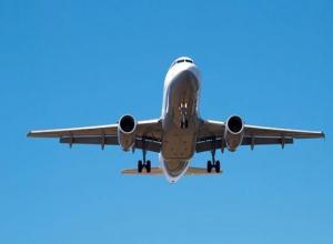 Пассажиров самолета Москва-Ставрополь срочно эвакуировали