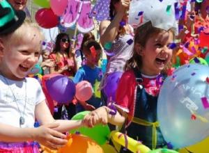 «Дискотека в мыльных пузырях и показ мод»: появилась программа мероприятий на 1 июня в Ставрополе