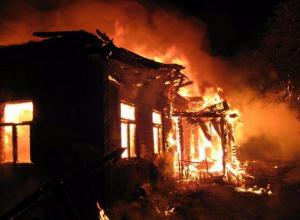 В пожаре сгорело 40 квадратных метров кровли здания на Ставрополье