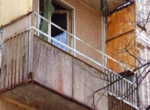 Неизвестный залез через балкон и зарезал пенсионерку в Ессентуках