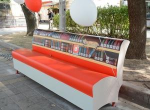 Улицы Ставрополя в преддверии Дня города украсили «литературные» скамейки