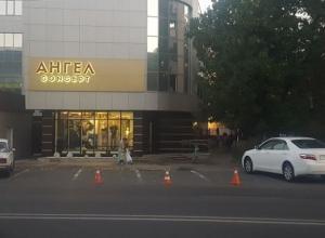 «Забитые» места на парковке перед бутиком «Ангел» возмутили водителя из Ставрополя