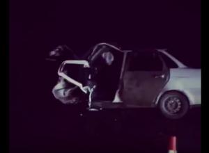 Страшная ночная авария с тремя отечественными легковушками на Ставрополье попала на видео