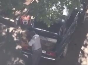 Антисанитарная выгрузка хлеба для магазина из грязного багажника «легковушки» попала на видео в Пятигорске